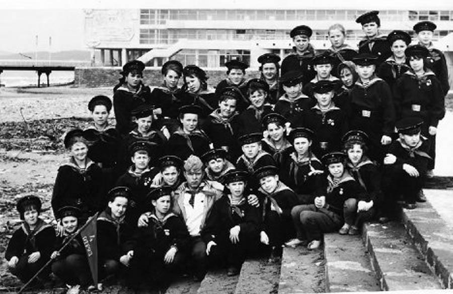 """Фотография из архива Н.Редькина. На фото: 4-й отряд """"Штормовая дружина"""", """"Орленок"""". 1968 год."""