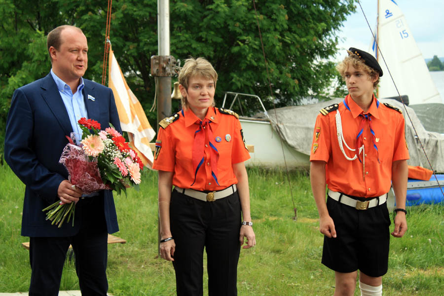 C открытие практики поздравляет депутата Законодательного Собрания Свердловской области Геннадий Владимирович Ушаков