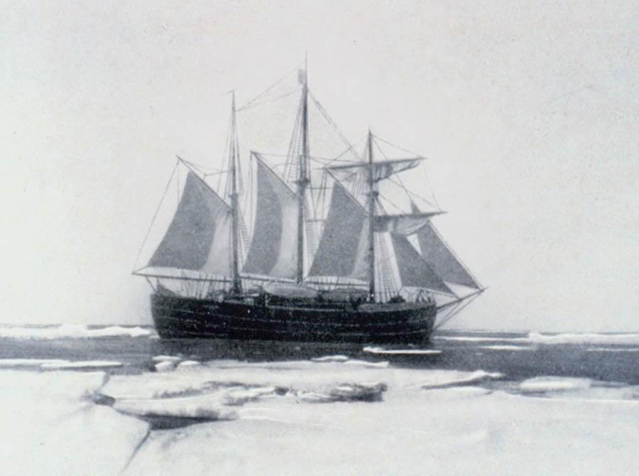 Судно «Фрам» Фритьофа Нансена в полярных морях.
