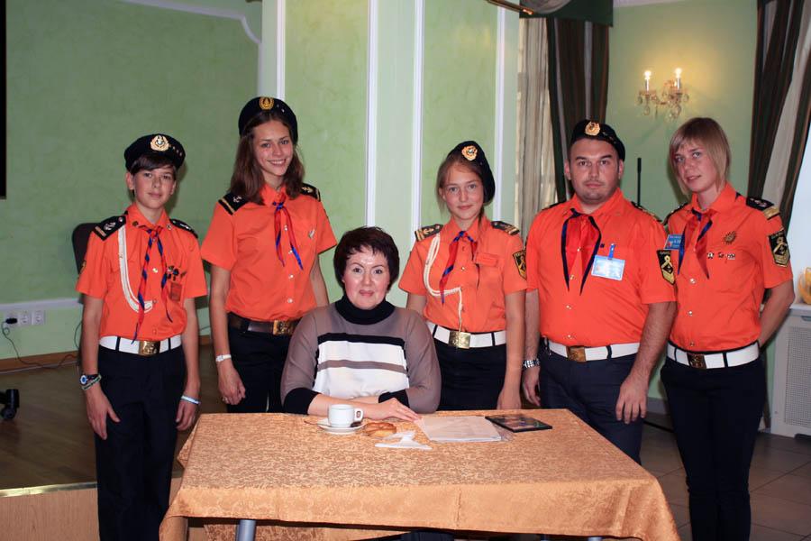 Делегация отряда «Каравелла» вместе с главным организатором фестиваля «Подсолнух» О.Н. Чирковой