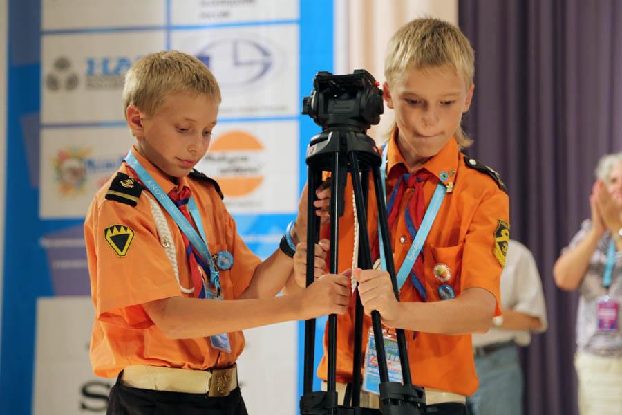 Паша и Данил за операторской работой