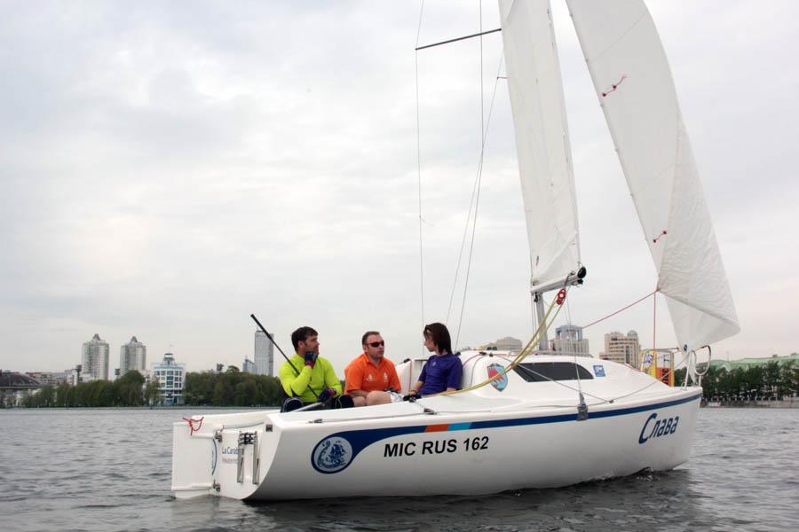 Доблестный экипаж яхты «Слава» между гонками