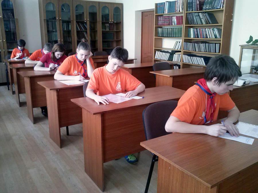 Каравелльские юнги сдают письменный зачёт по устройству шлюпки