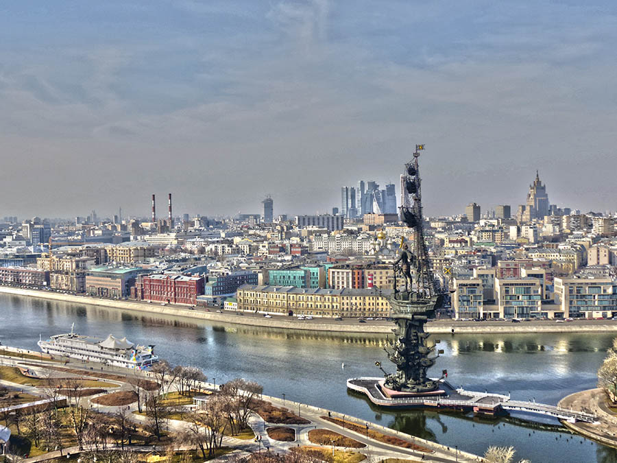 ... The city of Moscow and the river are looking like something very special, colorful and attractive!