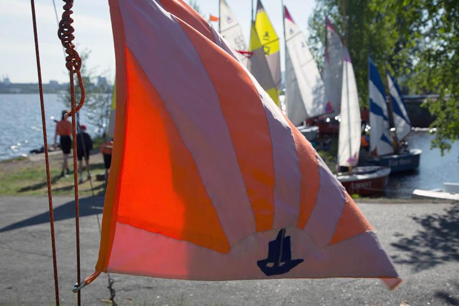 Скоро отрядный флаг поднимет самый младший участник парусной практики