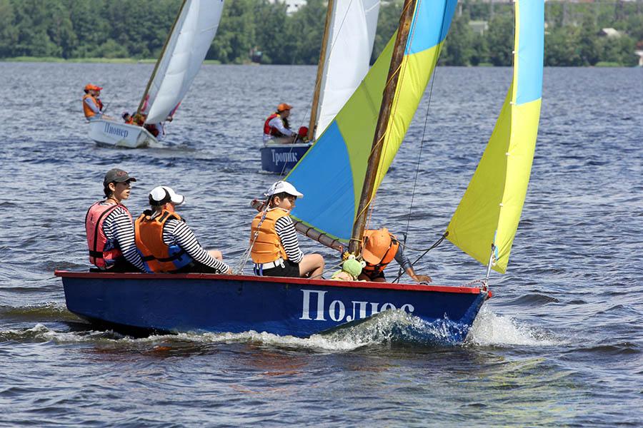 Яхта «Полюс» всегда лидер гонок!