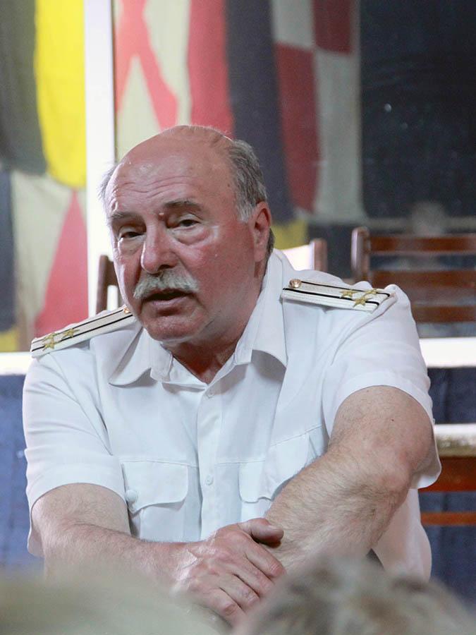 Игорь Британов на встречи с юными моряками