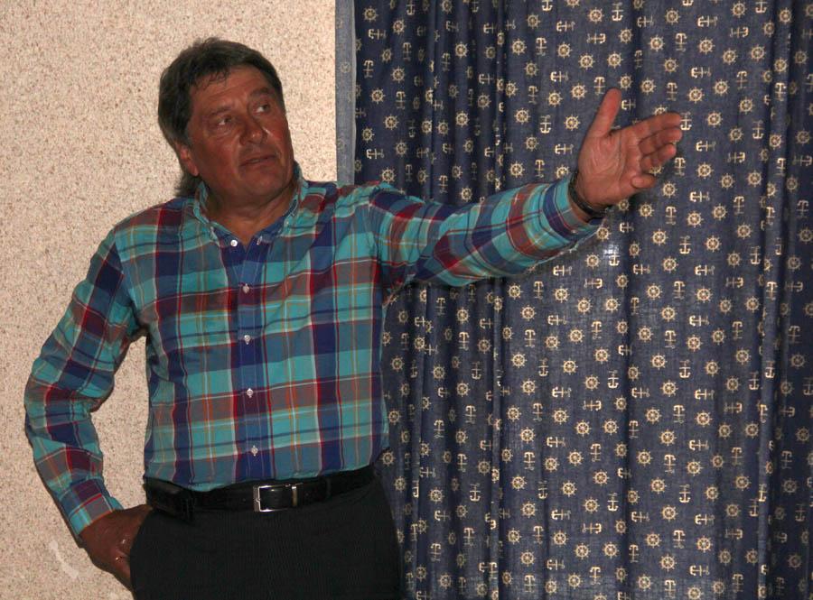 Юрий Владимирович рассказывает каравелльцам о своём путешествии через Атлантику