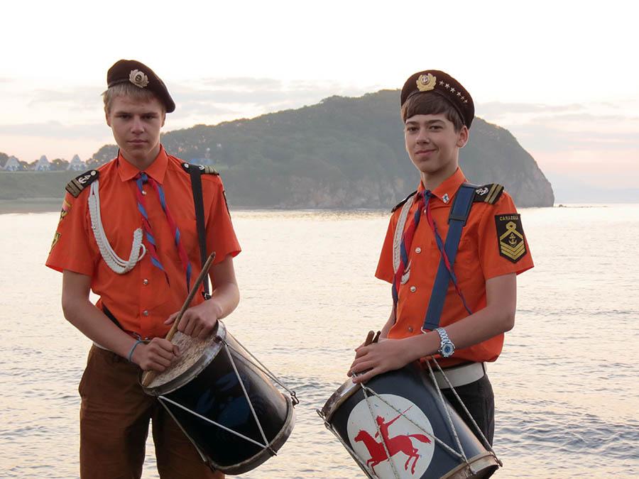 Глеб Дерябин и Ник Кошкин на берегу океана