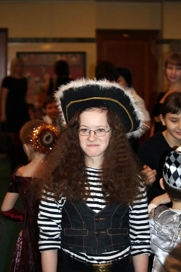 Диана Мирошниченко в костюме бравого и очень симпатичного пирата
