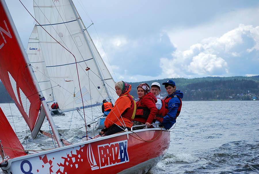 Каравелльский экипаж вновь выступает на красной восьмёрке