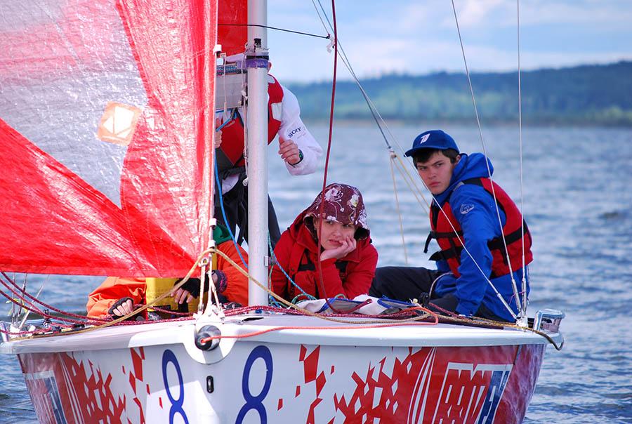Предыдущий опыт гонок на этих яхтах не прошёл мимо