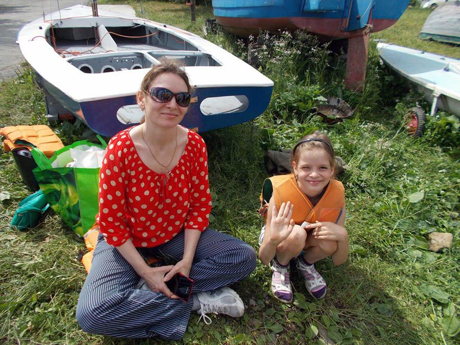 Елена Теплоухова с младшей дочерью ждут выходов на яхтах