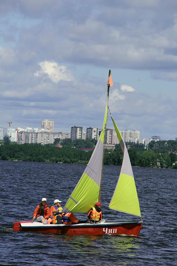 Алёна Светкина впервые управляет яхтой и экипажем в гонке