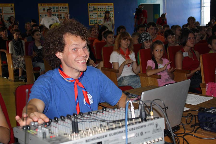 Володя Новосёлов - для хороших сборов нужна хорошая музыка