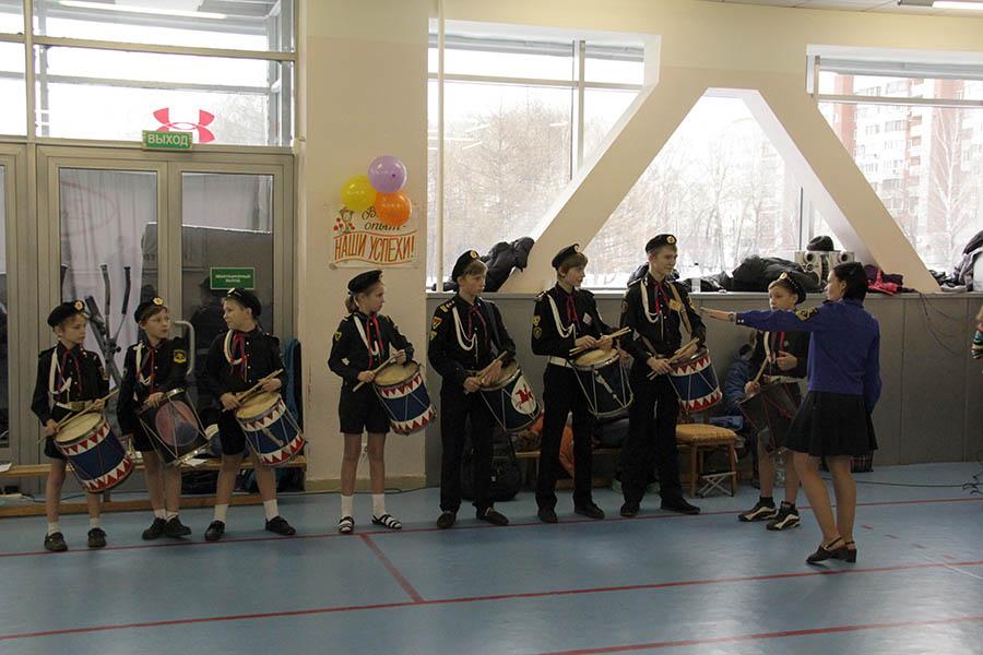 Барабанщики Каравеллы готовятся к торжественному открытию Уральской рапиры