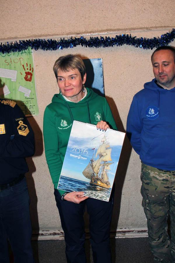 В отряде появился новый календарь с красивым парусником - фрегат «Штандарт»