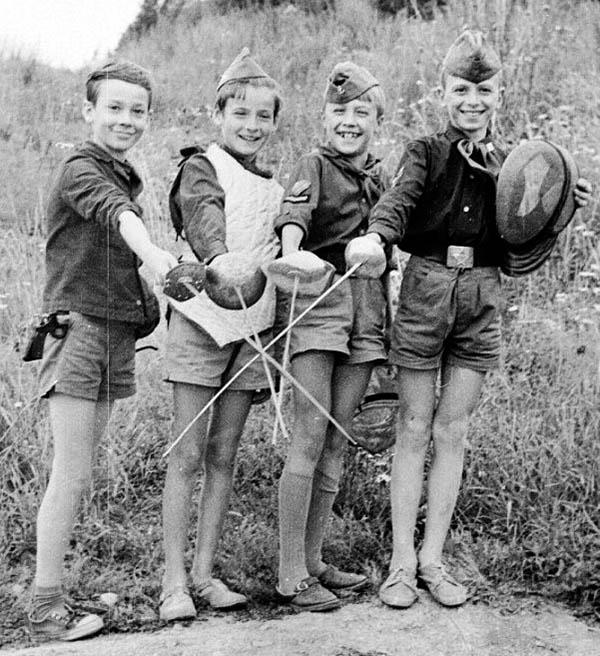 Первые фехтовальщики отряда «Каравелла»
