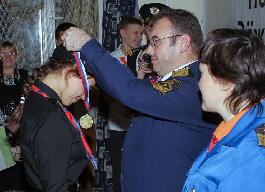 Золотую медаль получает Полина Вольхина