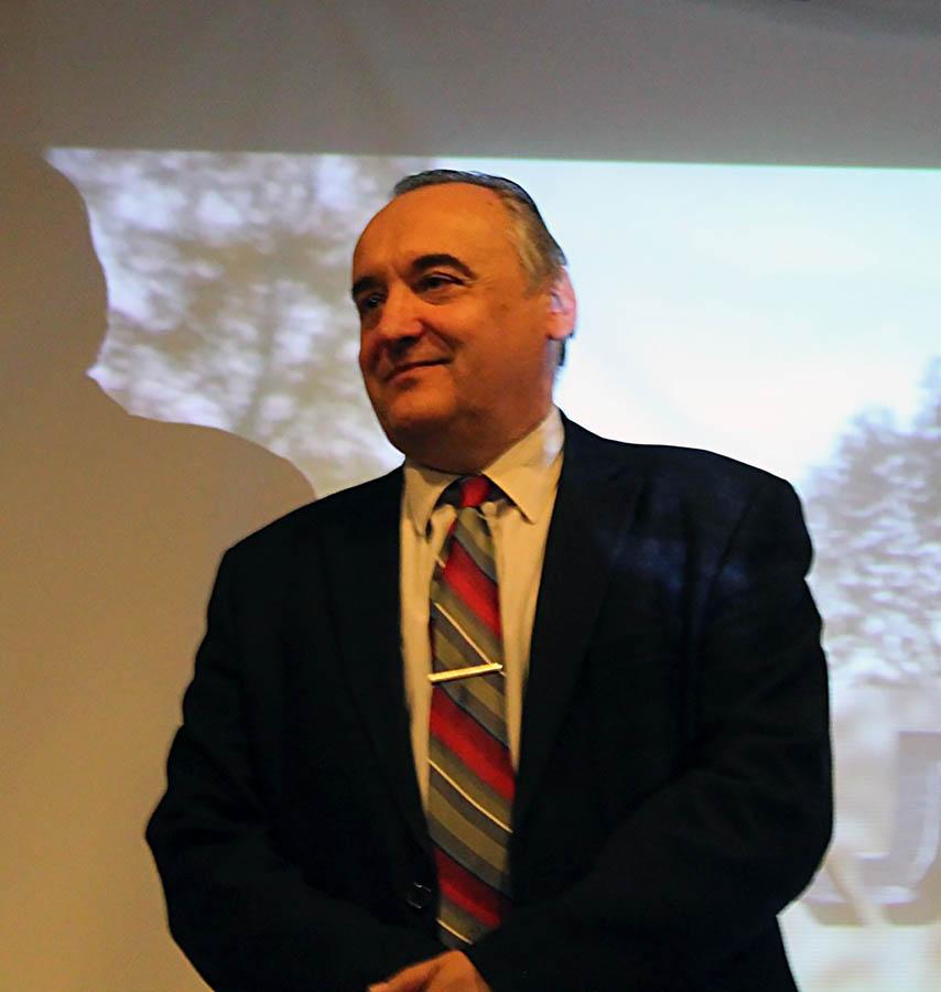 Руководитель конкурса - известный учёный, профессор Иван Михайлович Клименко