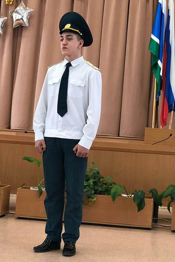 Владислав Крапивин  - герой, спасший людей