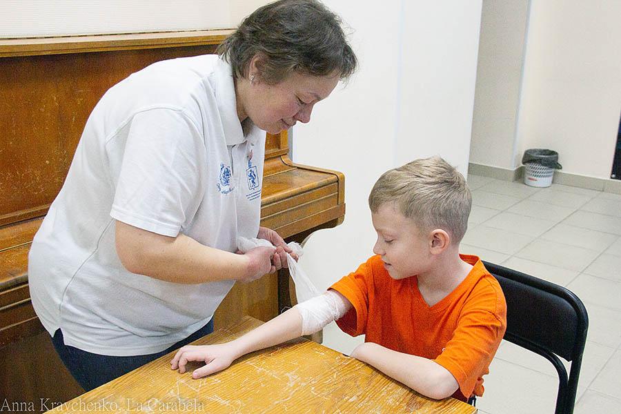 Правильно обработать рану - необходимый навык