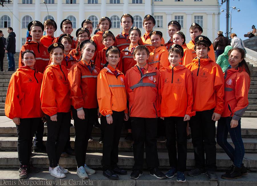 Команда волонтёров-каравелльцев в День Космонавтики 2019