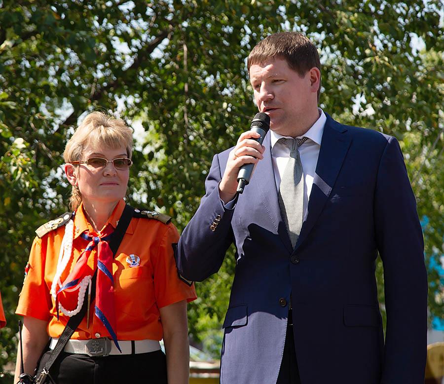 Сергей Бидонько приветствует участников сборов «Оранжевое лето - 2019»