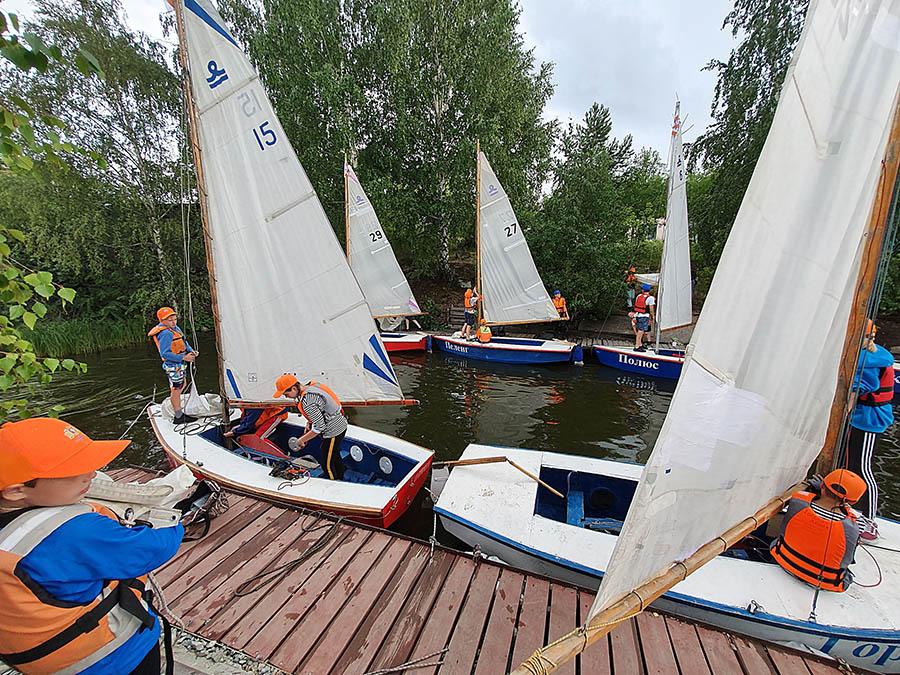 Подготовить лодку к регате - половина успеха в гонке...