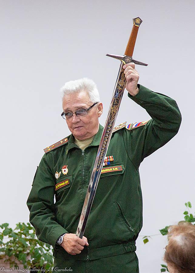 Великолепный меч УДТК в руках Бориса Михайловича Ильиных