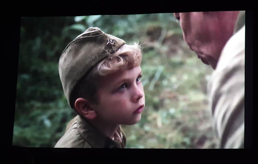 Серёженька узнаёт о смелости на войне...