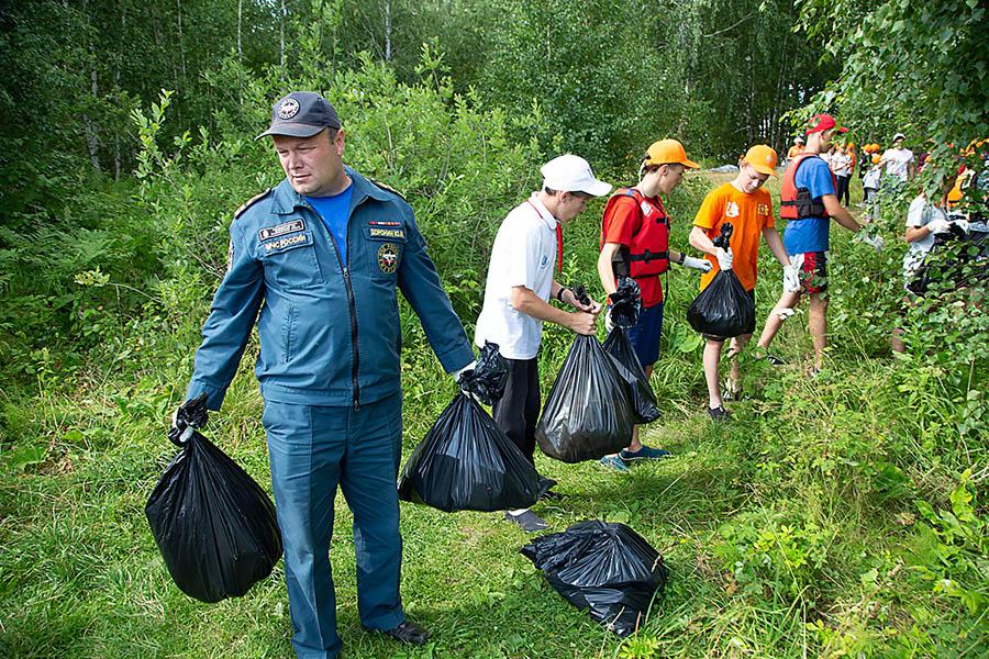«Чистый берег» - совместная акция отряда «Каравелла» и ГИМС Свердловской области