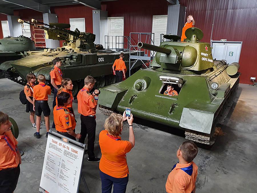 Участники сборов смогли почувствовать себя танкистами...